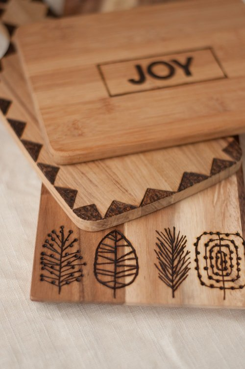 Etched-Cutting-Boards-7-diy-gift-design-mom-diy-christmas-gift