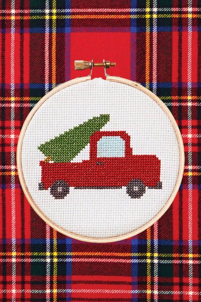 cross-stitched-truck-gift-idea-creative-diy-christmas-gift
