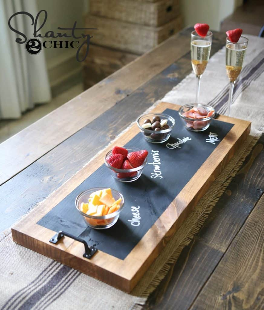 Chalkboard-and-Wood-Serving-Tray-creative-diy-christmas-gift