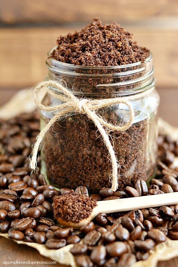Homemade-Coffee-Sugar-Scrub-creative-diy-gift
