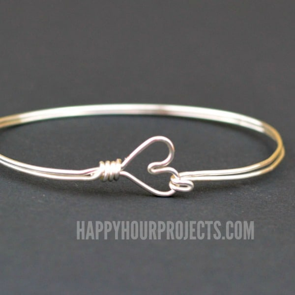Wire-Wrapped-Heart-Bangle-diy-christmas-creative-gift